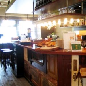 カフェスペース併設のお店では、ドリンクの提供もおねがいします