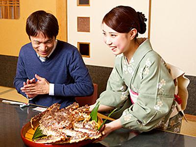 お客さまの顔も思わずほころぶ、かにづくしの料理をご提供しています