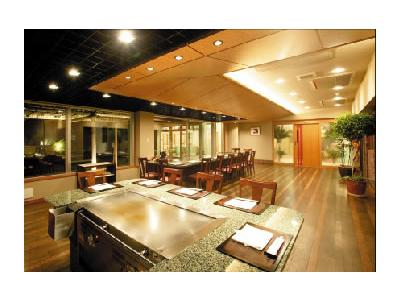 日本海が一望できるロケーション◎福井県三国町にあるステーキレストランでサービススタッフを募集!