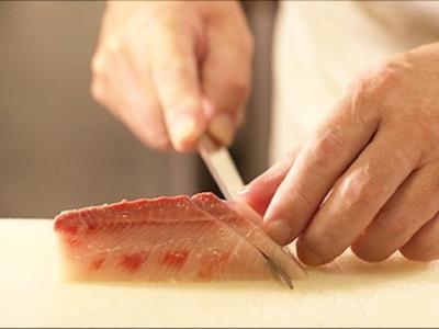 次世代を担う料理人を育成すべく料理人を募集します。調理師免許は不問。この機会、お見逃しなく