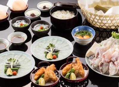 <東証一部上場企業>本社では、とらふぐの生産・加工・販売を自社で一括管理しています。