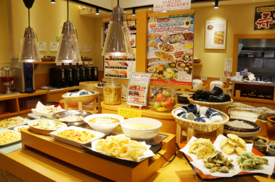 所沢&三郷の2店舗!旬の食材を使った自然食ビュッフェレストランで、ホールスタッフ募集中です。