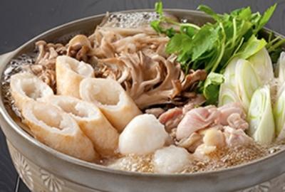 きりたんぽ鍋をはじめ、秋田の名物料理を楽しんでいただいています。