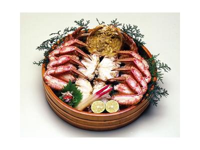 カニはすべてお店で調理。新鮮で上質なカニが楽しめるお店として、海外のお客様からも人気です。