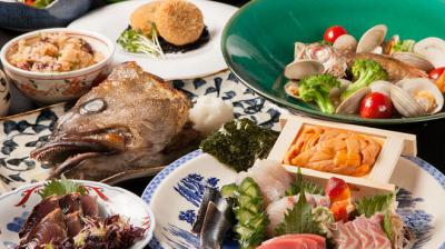 当店自慢の肴料理は毎日市場に出向きその日の新鮮な食材を仕入れています