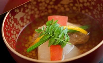 職人が目利きした最高級の食材を使用し、伝統のワザを大切にした本格日本料理が学べます