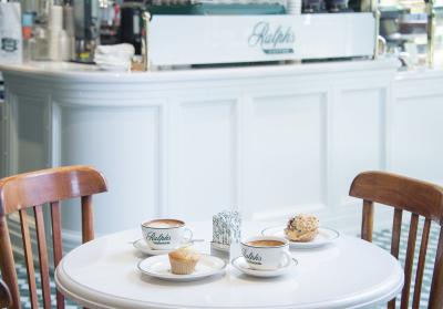 世界的アパレルブランド「RALPH LAUREN(ラルフ ローレン)」直営のカフェでマネージャー募集