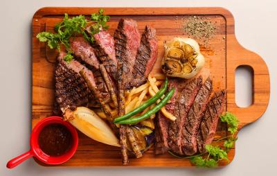 創業50周年を超える、焼き肉チェーンが運営する肉バル!ブランド牛の希少部位もお値打ち価格でご提供中