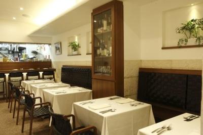 2010年、東京・西大島にオープンした本格イタリア料理店。ホールスタッフとしてご活躍ください!