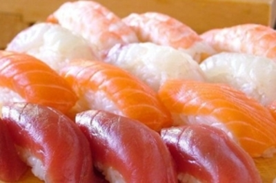 海鮮調理、寿司職人の技という一生モノのスキルを身につけませんか。
