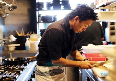 調理から店舗マネジメントまで、幅広く学ぶことができます!研修制度も充実しています!