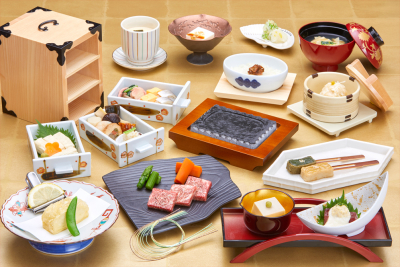 一品一品をていねいに、丹精込めて作り上げる創作懐石料理で、和食の新境地を切り開いています。