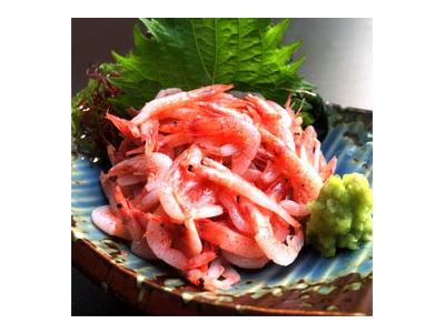 静岡ならではの生しらすや生桜海老をつかった塩辛がメニューに並びます。塩辛や日本酒の知識が身につきます