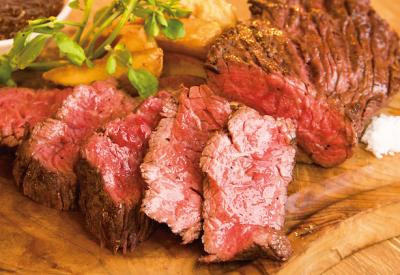 立川市内で展開する、肉バル・焼きとん&もつ鍋店・バー・餃子酒場で、キッチンスタッフ募集!
