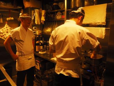 調理、接客、経営…すべてに関わることができるのも、当店の魅力の一つ。