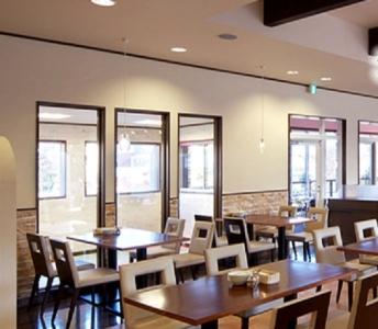 創業から40年超の歴史をもつベーカリー&レストランで、キッチンスタッフとしてご活躍を。