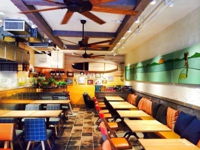 ハワイの人気レストランでマネージャー候補を募集。あなたのサービスでお客様に一生の思い出を!