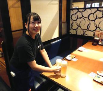 メリットいっぱい!「三代目網元魚鮮水産」国領店でホールスタッフとして活躍を◎