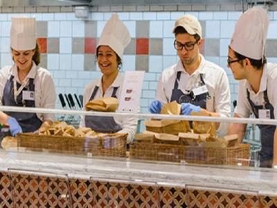 世界に展開するイタリアンマーケット&レストランで、キッチンスタッフとして腕をみがきませんか?