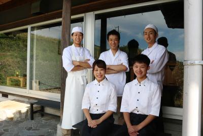 ミシュラン1つ星の名店で、日本料理の知識と温かいおもてなしのスキルを身につけませんか?