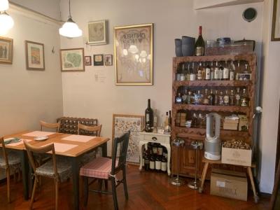 イタリア・トスカーナ地方の郷土料理と、100種類以上のワインを取り揃えた当店でスキルアップ!