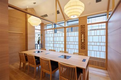 大切なことは「食」という文化を通じて、お客様が楽しみ・くつろぎ・安らげる空間を提供することです。