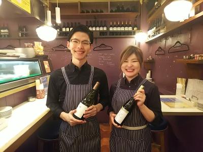 シニアソムリエからワインの知識を学べる!どの店舗も、食事に合わせたワインを幅広く取り揃えています♪