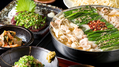 濃厚スープで大人気のもつ鍋専門店でサービススタッフ職♪実力次第では入社後すぐ店長に昇格も可能です!