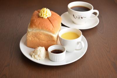 サイコロ型のパン「しょぱん」が名物!カフェ2店舗にパンを提供するセントラルキッチンにてスタッフ募集☆