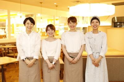東京・大阪エリアの『Afternoon Tea TEAROOM』で店舗スタッフとして活躍しませんか?