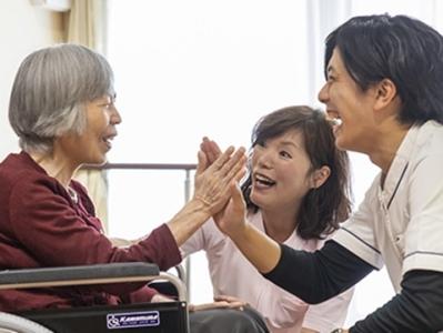 当方は千葉県下で、介護施設、病院、老人ホーム、サービス付き高齢者住宅などを運営。安定した経営で成長中