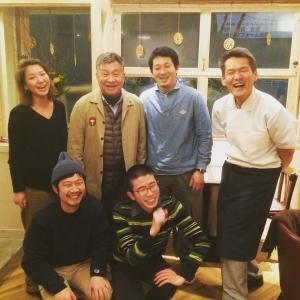 神戸・元町にある酒屋に立ち呑みコーナーを併設したショップで、私たちと一緒に働きませんか?