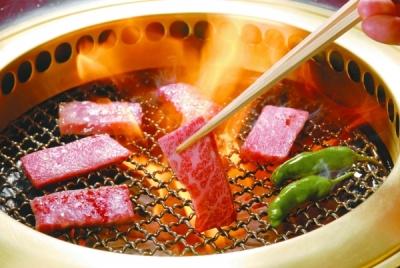 銀座と赤坂に店舗を構える焼肉店。京都にも祇園を中心に複数店舗を展開しています。
