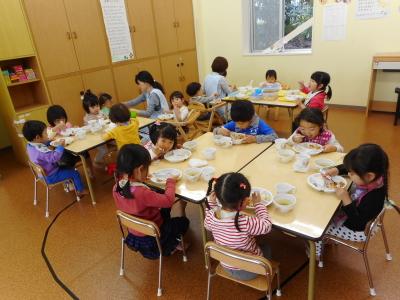 東芝横浜事業所内の企業内保育園。乳幼児向けの献立や調理ができる方を募集します