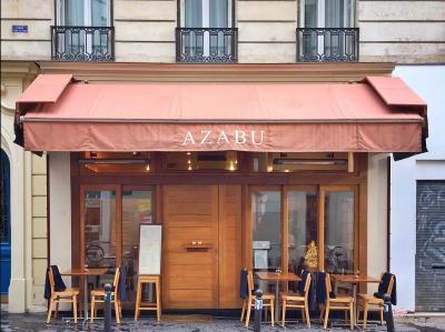お店があるパリ6区は、ブティックや画廊が立ち並ぶオシャレなエリアです。