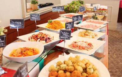 未経験OK◎神戸空港の玄関口のホテルで、朝食ビュッフェの調理のアルバイト★