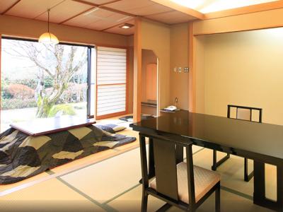 客室はわずか六室。経験の浅い方も、行き届いたていねいなサービスをお届けすることができます。
