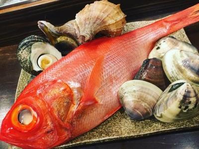新潟や奈良、広島など、全国の厳選素材が並ぶ囲炉裏料理店で、副料理長を募集します。