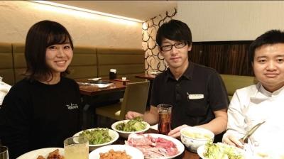 「新宿駅」スグの好アクセスにある、老舗有名焼肉店でホールスタッフを募集!