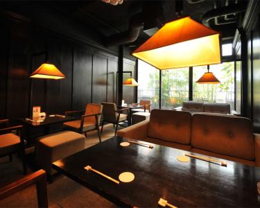 1~7Fまで各階ごとに内装や雰囲気を変えて、様々な雰囲気の空間をご用意した、銀座の一軒家レストラン。
