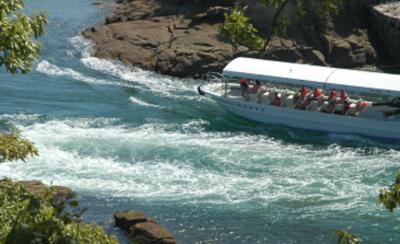 母体は、地元・四国で観光事業、ロードサービス事業、サービスエリアでレストラン事業を展開する企業です。