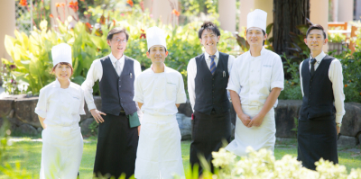 名古屋市内に飲食店を9店舗展開している当社。20~40代のスタッフが活躍中です!