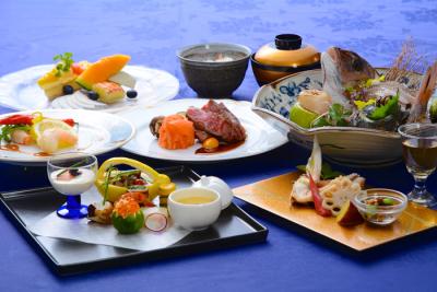 季節の食材をふんだんに使った当ホテルならではのお料理を提供しています。