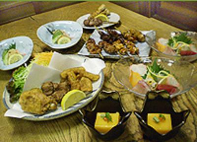 鳥料理以外にも魚料理や季節料理・会席も扱っているので、幅広い知識・技術が身につきます。