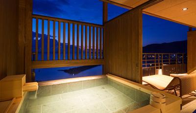 大自然と食材の宝庫・淡路島の海沿いにあるリゾートホテルでの和装ホールスタッフのお仕事です!
