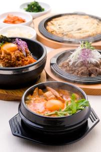 大人気店になった韓国料理店★融通の利くシフトだからプライベートとの予定も楽しめます♪まかない付き◎