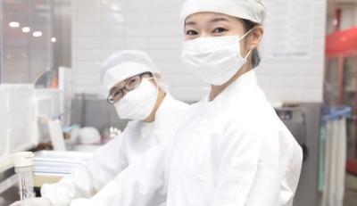 千葉県内にある学校・病院など7拠点で、調理師を募集。