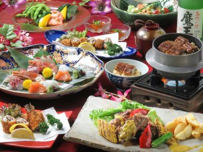 新鮮な魚介や、旬の野菜を使ったお料理をリーズナブルにご提供している和食のお店です!