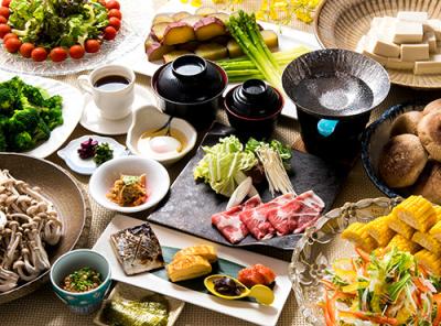 別府名物のりゅうきゅう、だんご汁、かぼすブリなど、ここ別府ならではの料理や食材を使った郷土料理専門店