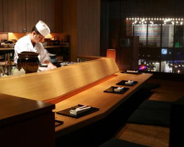 東京・赤坂にたたずむ日本料理店。トコトン料理を追求できる環境をご用意しています。